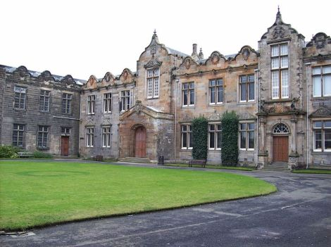 800px-United_College_University_of_St_Andrews Oliverkeenan